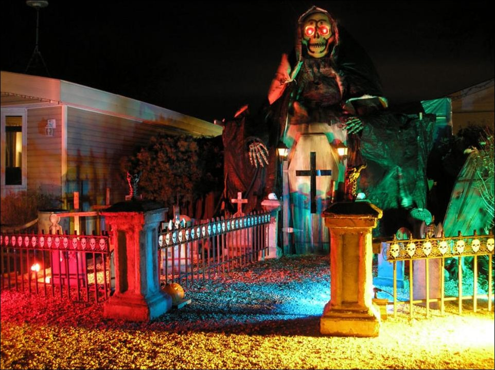 Grim-Reaper-Lights-On-Halloween-Decor