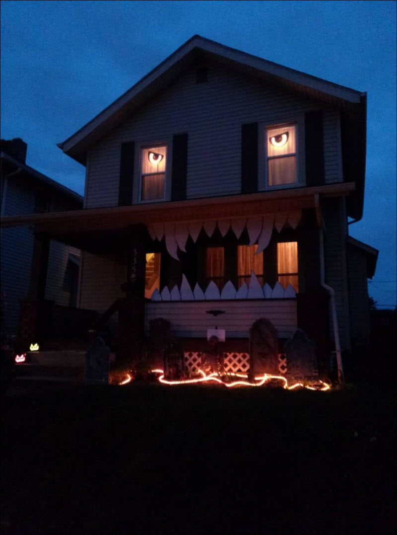 Monster-House-Halloween-Decor