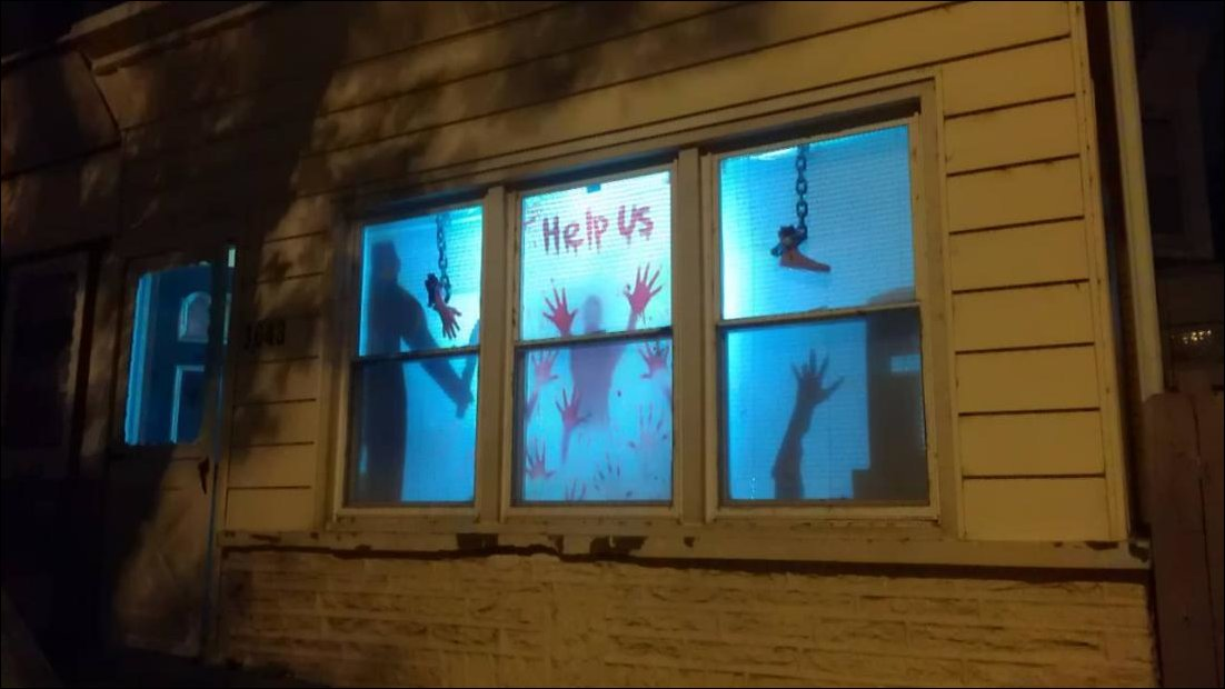 Murder-House-Halloween-Decor