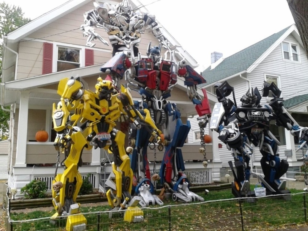 Transformers-Halloween-Decor