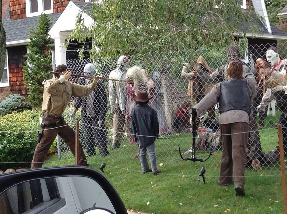 Walking-Dead-Halloween-Decor
