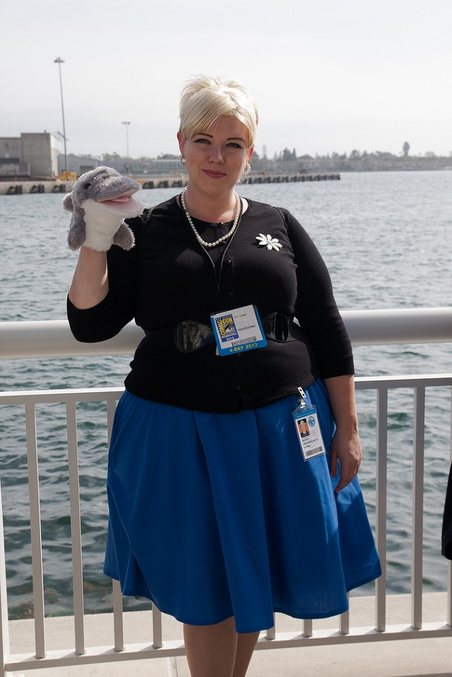 cosplay-archer-pam-poovey-03