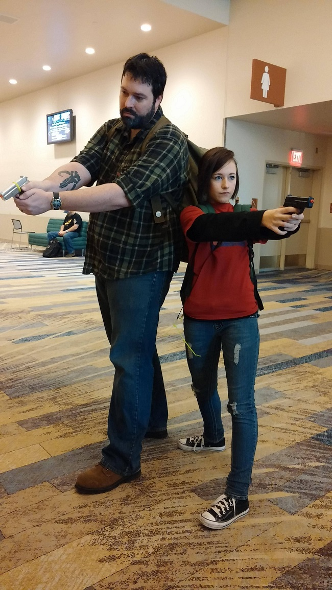 cosplay-the-last-of-us-dad-and-daughter-costume-01