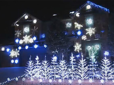 Family U201cLet It Gou201d This Christmas With Jaw Dropping U0027Frozenu0027 Lights Display  U2013 Wow Amazing