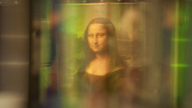 Mona Lisa under light technology
