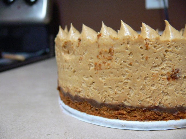 "You can find the recipe for this no-bake ode to chocolate and peanut butter <a href=""http://piecaken.blogspot.com/2015/02/gluten-free-no-bake-peanut-butter.html"" target=""_blank"">here</a>."