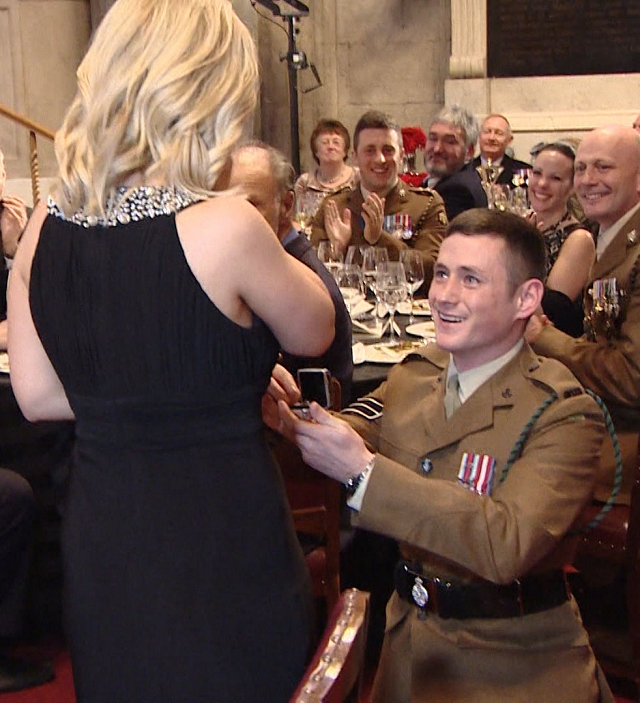 Army Hero Stages Sweet Proposal At The Sun Military Awards Wow Amazing