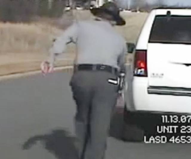 Amazing Com: Drunk Cop Gives A Sobriety Test