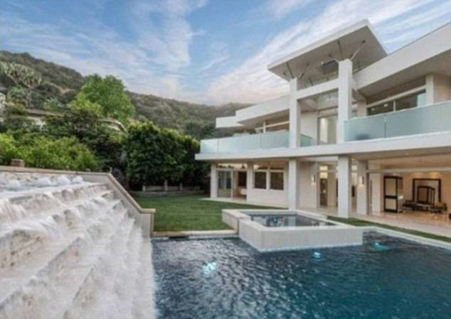 Justin Bieber\'s Jaw-Droppingly Awesome House in Photos – Page 4 ...