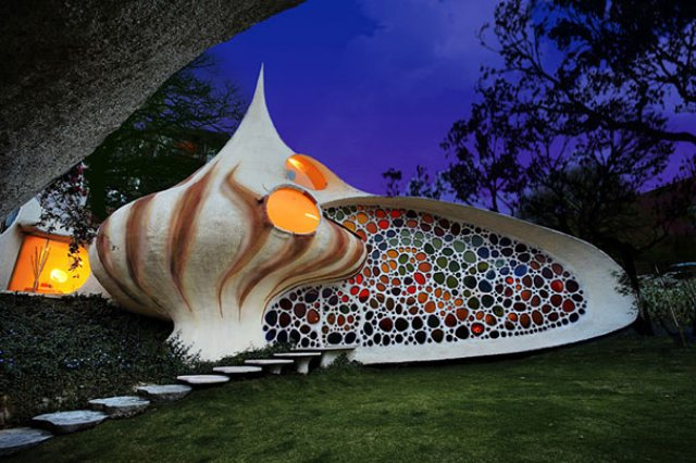 Giant Seashell House
